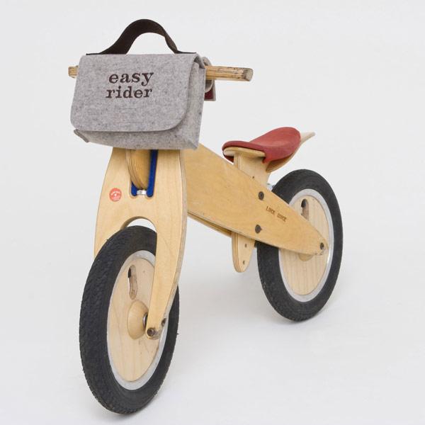 Fahrradkörbe und Taschen
