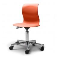 Flötotto Schreibtisch-Drehstuhl Alu poliert mit Sitzschale in korallrot und weichen Rollen
