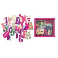 Holzmagnete Buchstaben in pinker Holzbox von Sebra